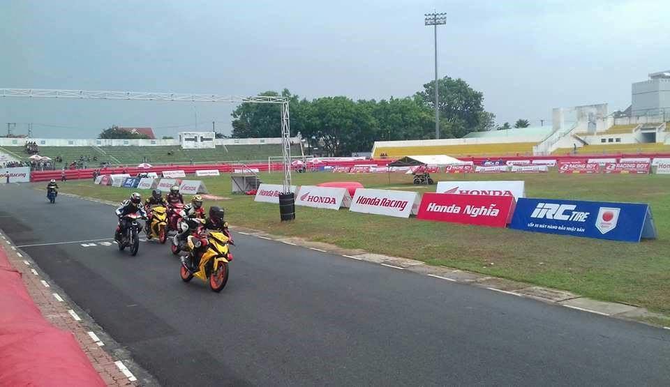 IRC Việt Nam tham gia giải đua Honda Racing Việt Nam mừng đại lễ 30/4 tại đường đua Bà Rịa.